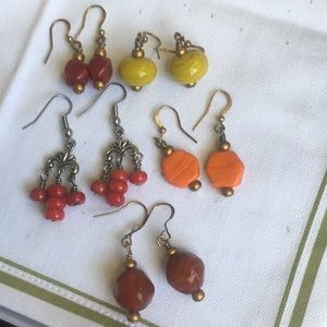 (26) 5 prs earrings: red/yellow/orange